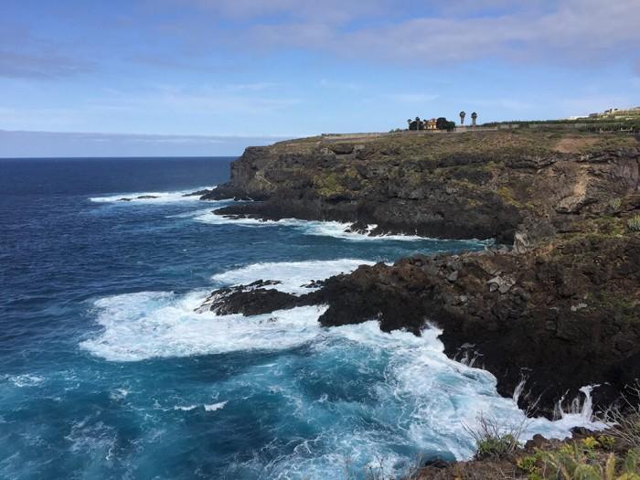 La mer déchaînée sur la côte nord-est.