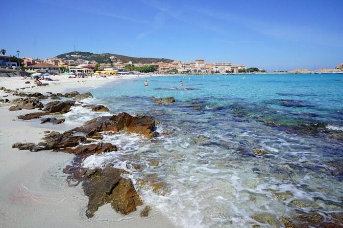 En juin, les plages ne sont pas (trop) bondées !