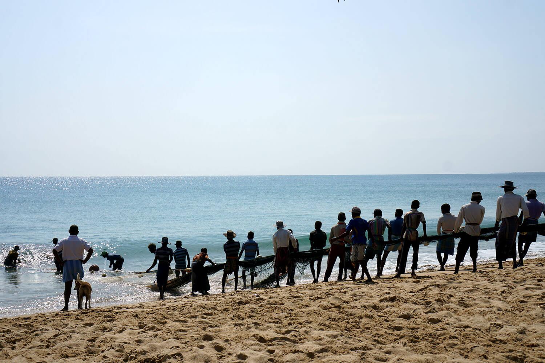 En plus, notre hôte face à notre déception de ne pas côtoyer des pêcheurs a fini par nous en trouver :-)