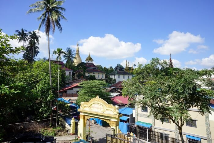 La vue depuis notre appartement sur la pagode Shwedagon