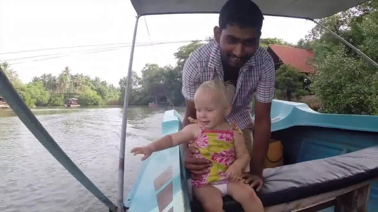 [VIDEO – SRI LANKA – 40 sec.] Aujourd'hui, Vinoj, notre hôte airbnb nous a…