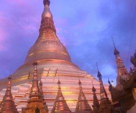 Pas de doutes, nous sommes bien arrivés en Birmanie ! Notre logement Airbnb à…