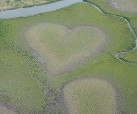 Vous êtes-vous déjà demandé où se situait le célèbre cœur immortalisé par Yann Arthus-Bertrand…