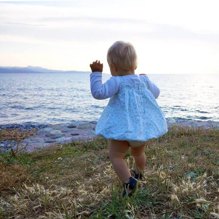 Mon enfant, quoi de mieux pour tes premiers printemps T'offrir le monde et du…