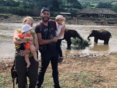 Aujourd'hui, nous avons passé la journée à l'Elephant Nature Park de Chiang Mai (Thaïlande).…
